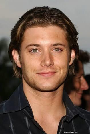 Am I the only one who doesn't see the guy in supernatural as that good looking?