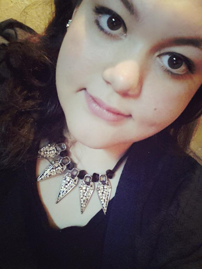 How do i look? How do i look?
