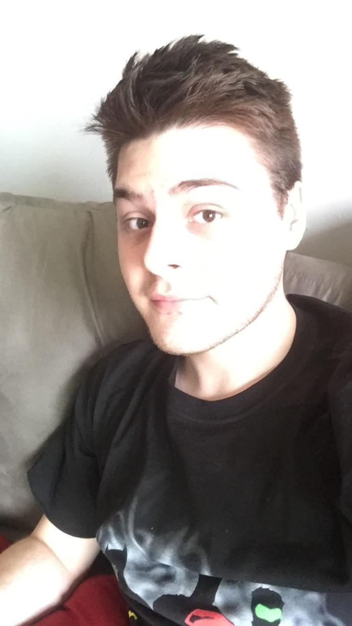 Girls, I'm a little insecure about my looks. What do you think?