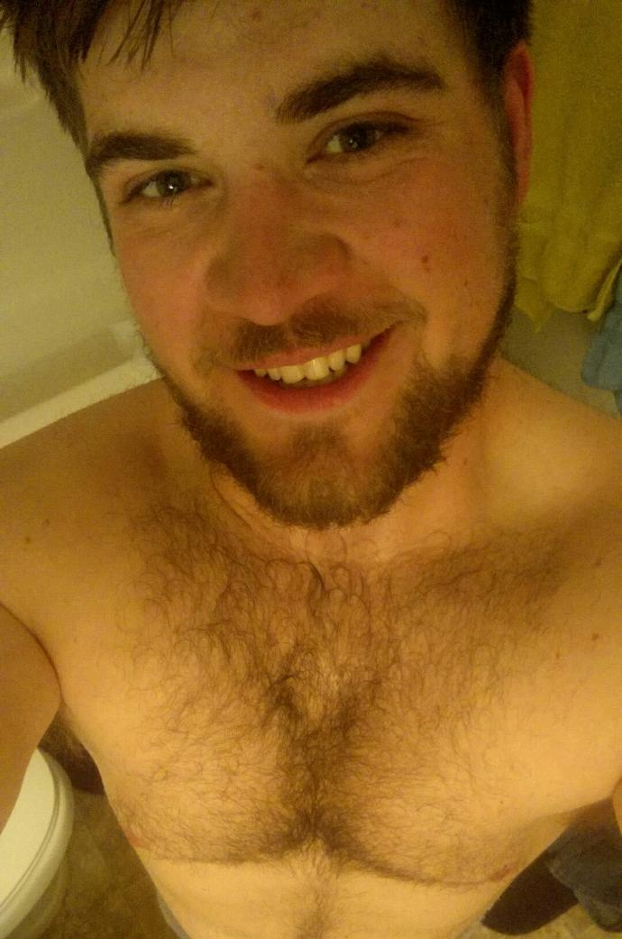 Girls, Im feeling damn sexy, but may be I'm wrong! How do you feel about this construction worker's after-shower selfie?