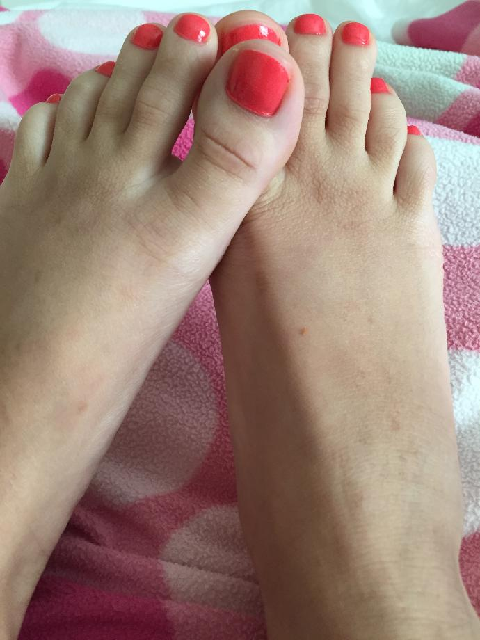 Do you like this color toes ?