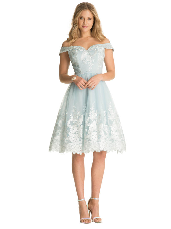 What to wear to party at a banquet hall ?