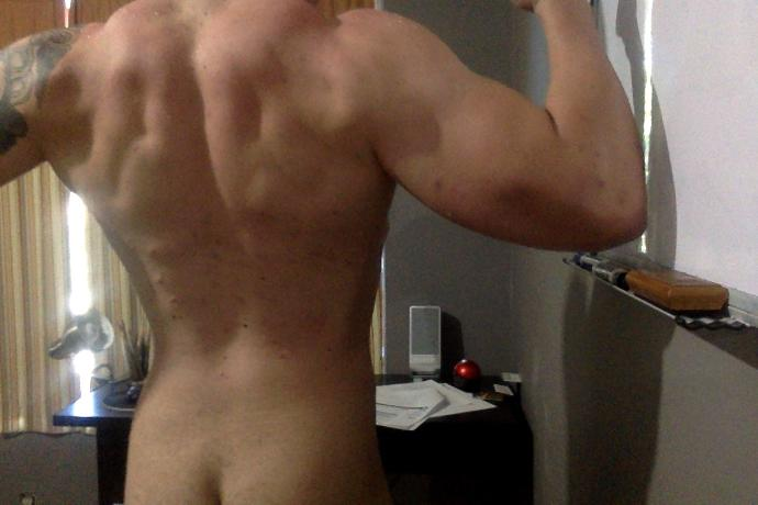 Rate the muscles on my back / 10 ?