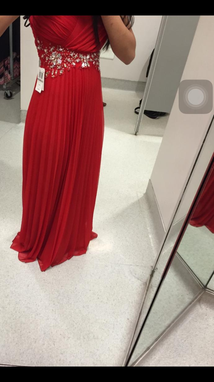 Is this dress pretty for my senior prom?