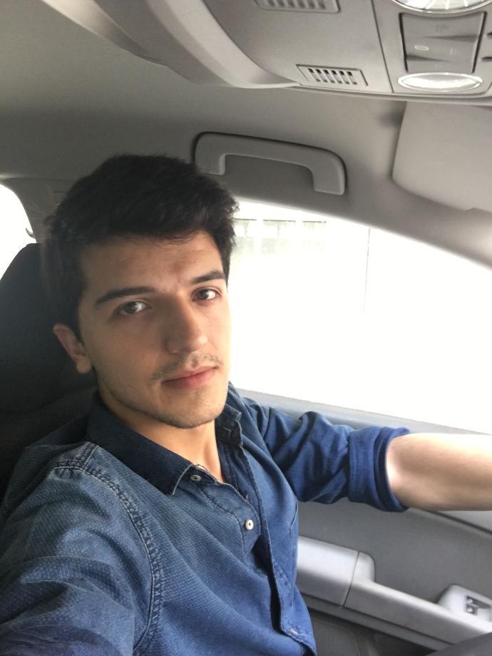 Girls, am i Handsome l ?