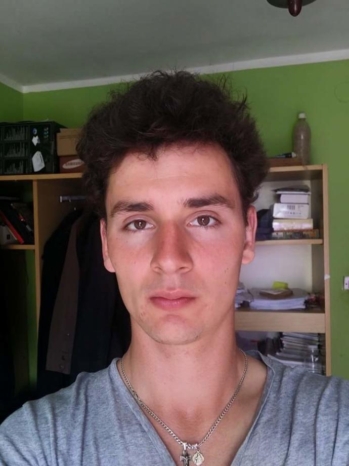 Girls, Am I handsome ?
