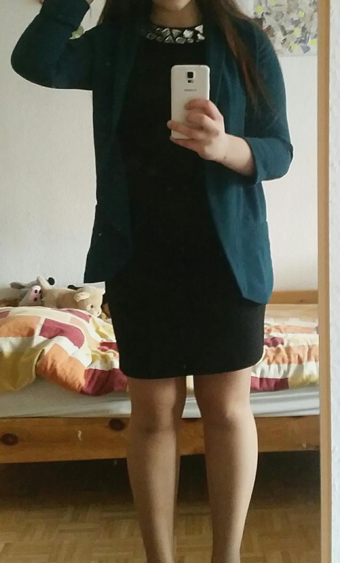 Is this look good or bad for a job interview?
