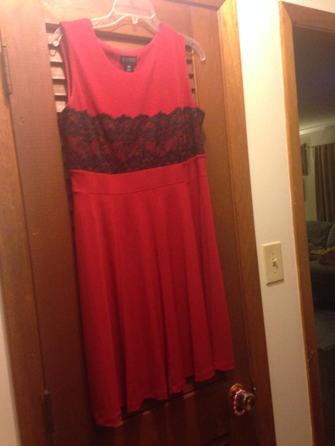 Does this go together? And shoukd I wear a white sweater or a black one? It's for church?