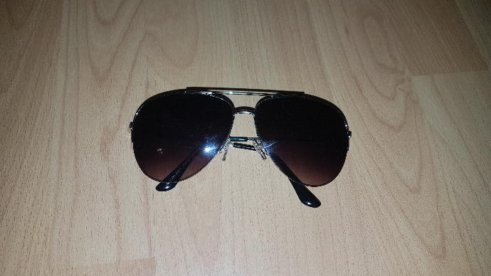 Are these sunglasses made for men or women?