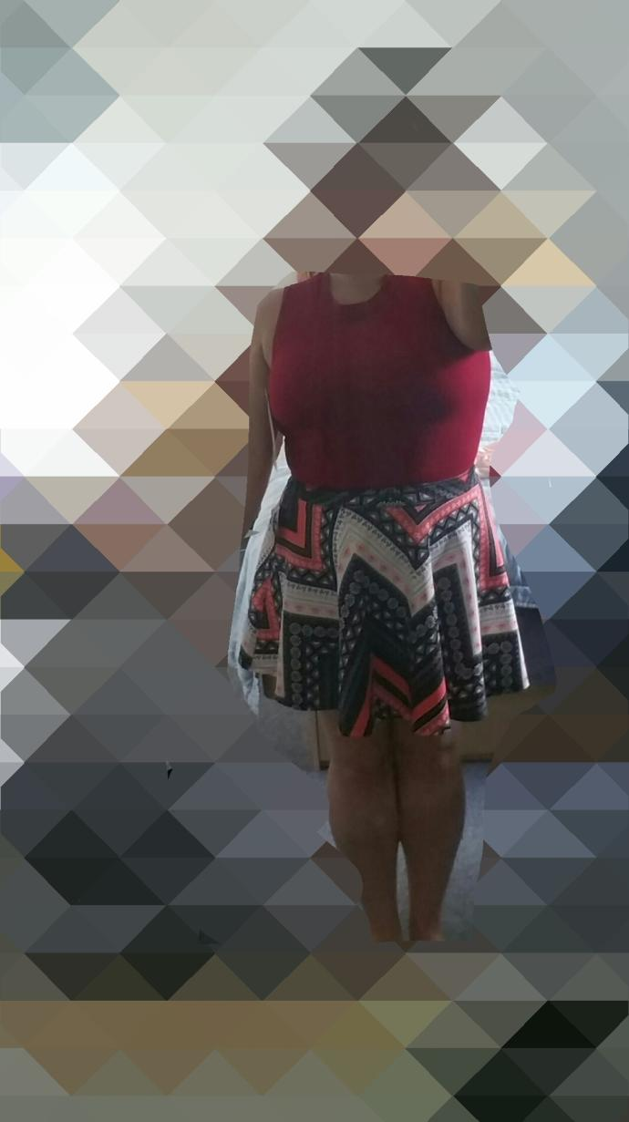 Do you think this outfit makes me look fat or does it look okay on me?