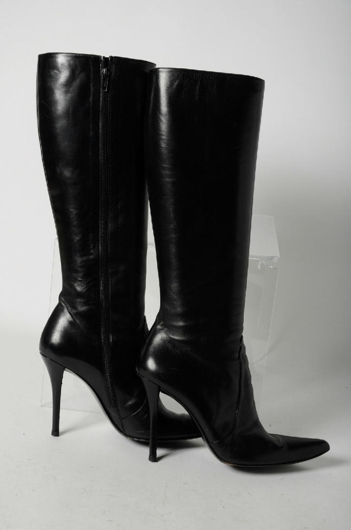 Are these pair of boots look good?
