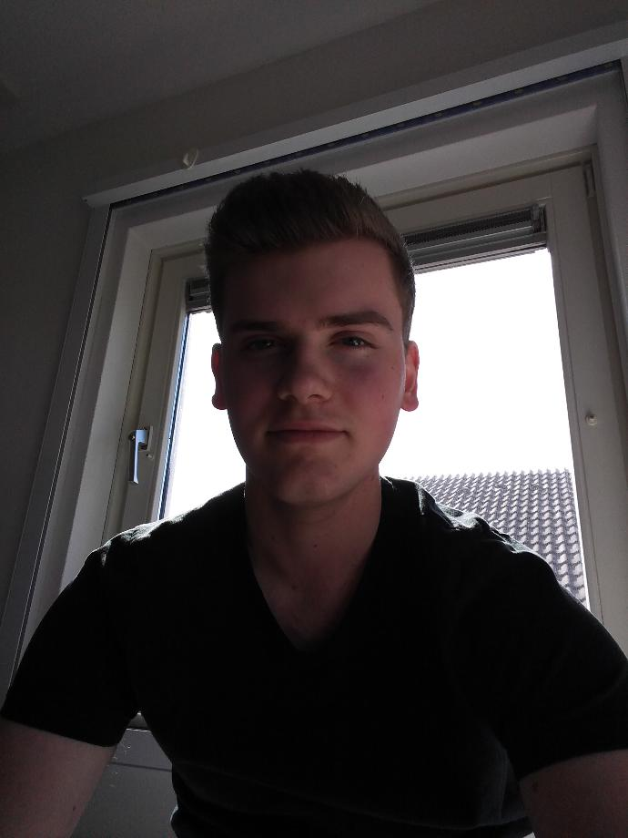 Suggestions for new haircut (pic included)?