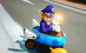 Anyone wants to play Splatoon, Mario Kart 8 or do Pokemon battles?