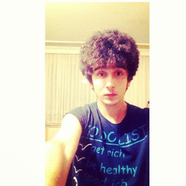 Do u like curly hair guys ? How do I look ?