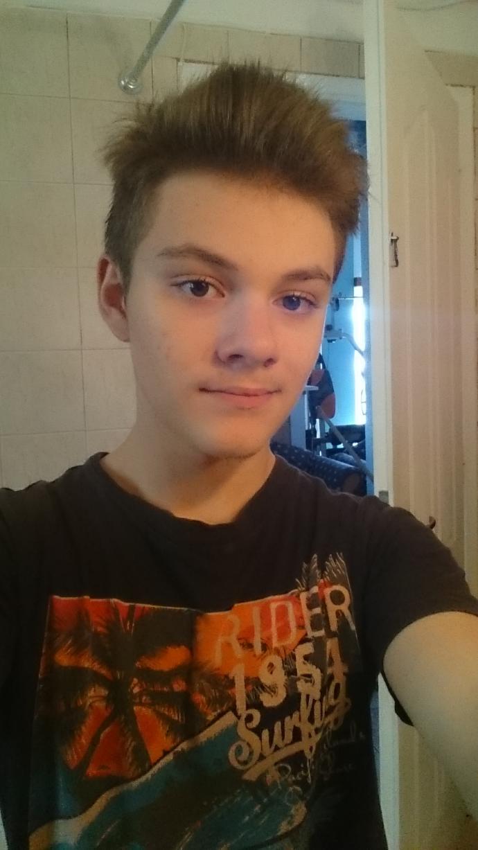 Am I ugly or I look average?