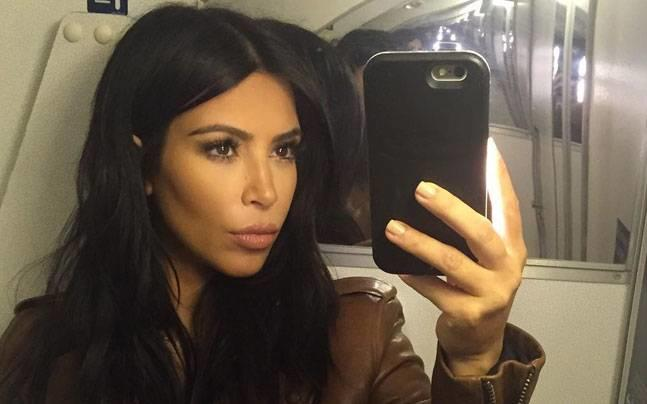 Are people who take selfies all of the time narcissists who only care about themselves?
