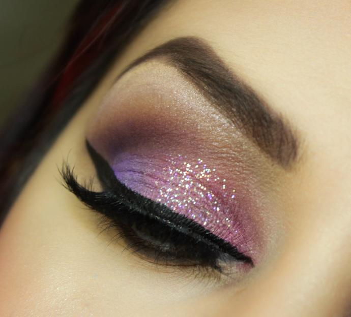 Opinions on glitter face makeup?