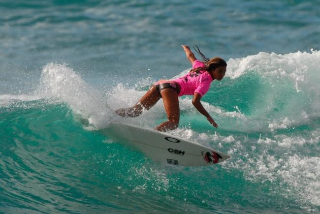 young-girl-surfer-quinn
