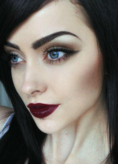 Bright or dark red lipstick?