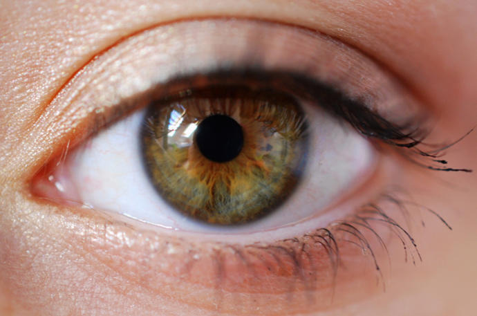 What Color Of Eyes Is The Most Attractive On Opposite