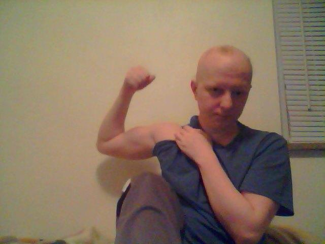 Hey everybody lets do something different this time post a selfie of your muscles lets see those guns on GAG ;)?