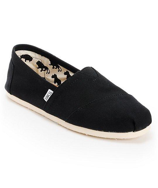 What color of short sock is preferable with this shoe?