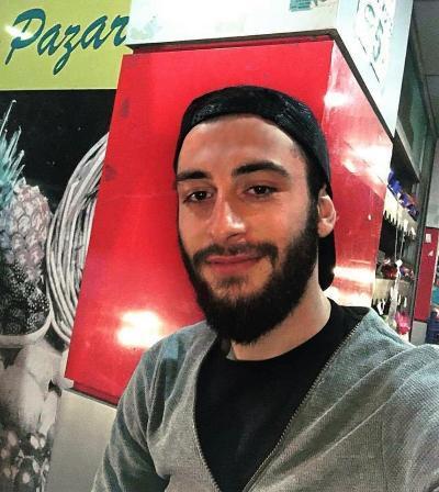 Girls, Do you think the beard or no beard ?