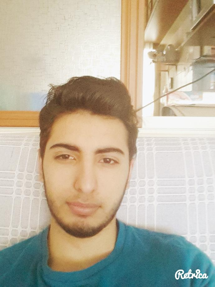 How do I look Do you think I am ugly?