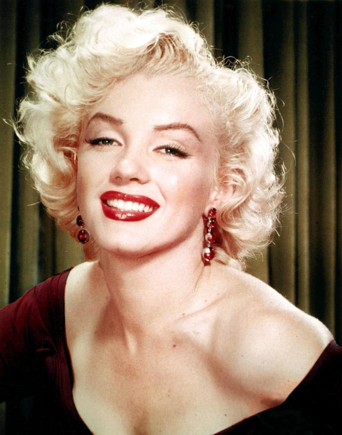 Do you think this actress would make a good Marilyn Monroe ?