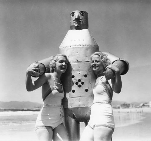Girls, Does anyone else think these ladies bathing suits look awesome?