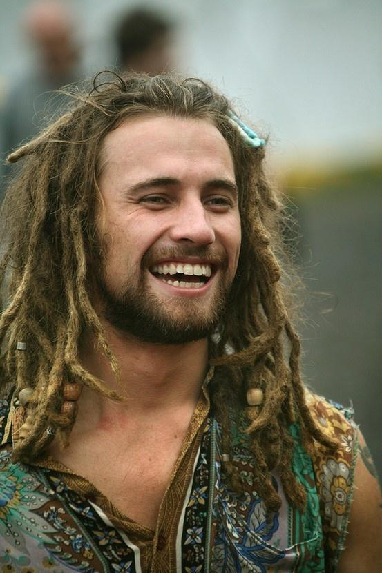 Ladies - Sexiness Poll: Would you be turn on or off by a white guy with dreads & why?