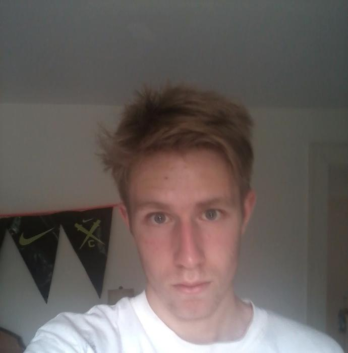 what photo do I look better in? , and do I look okay?