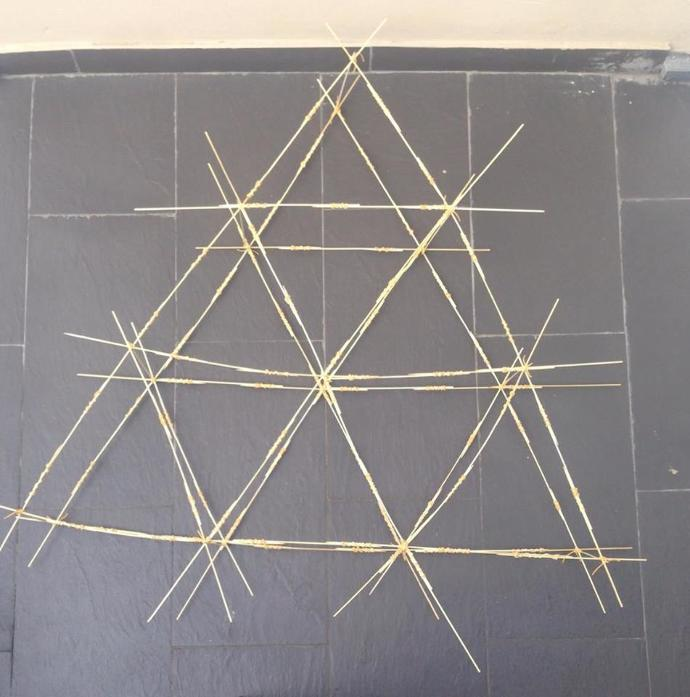 Where are the Pull forces in this triangle structure?