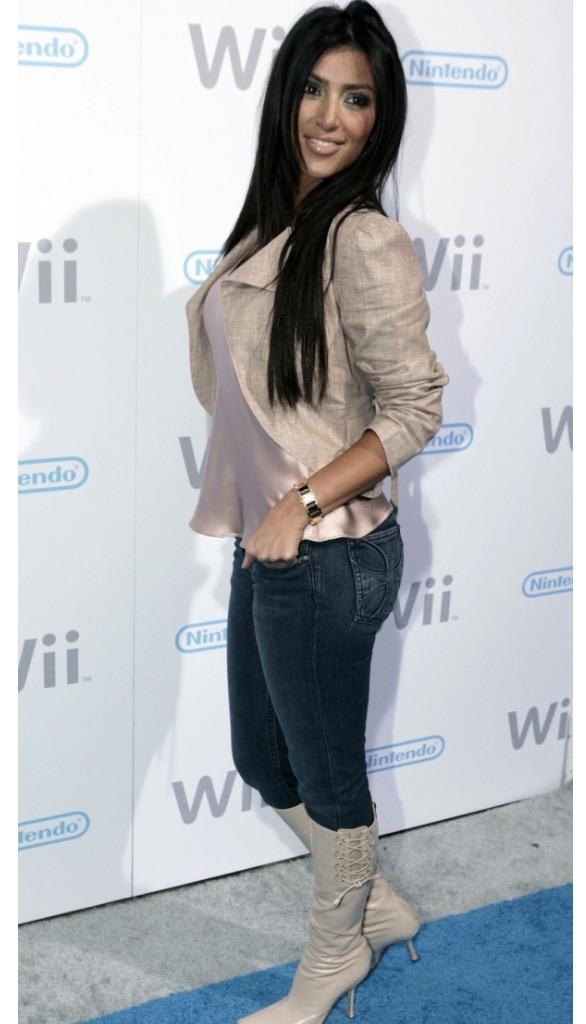 Do you think Kim kardashian has a fake butt?