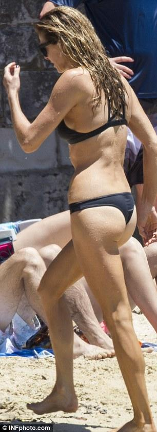 Thongs at the beach - acceptable or not?