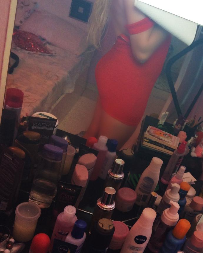 hows my red dress ?