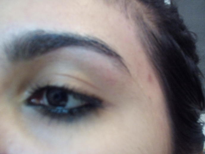 Are my eyebrows ugly and untidy?