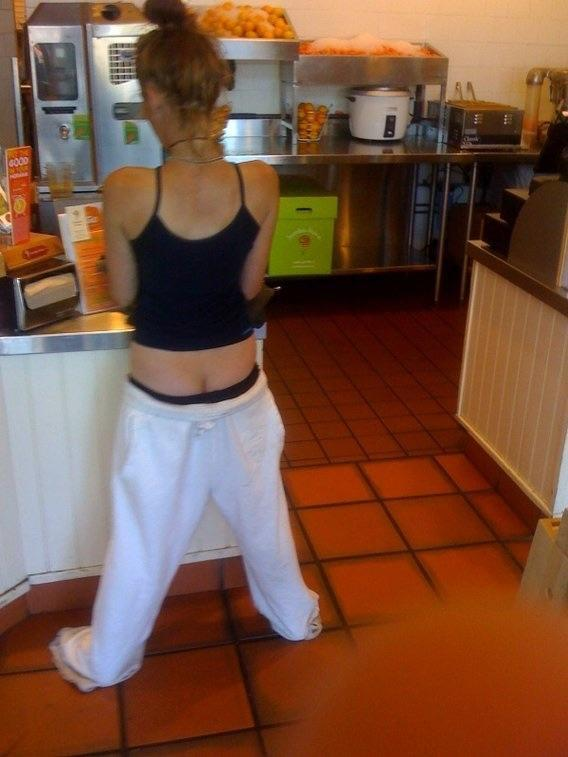 Can girls sag their pants?