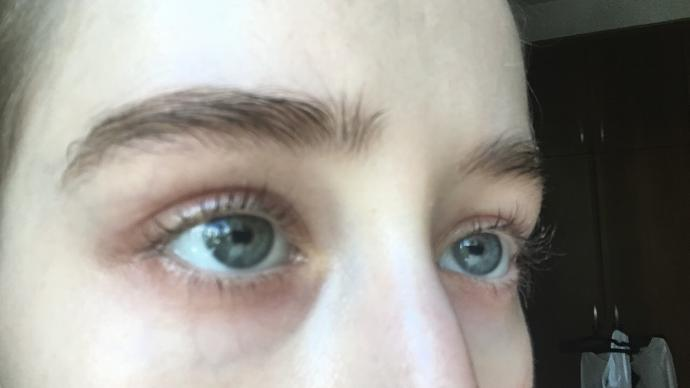 Are my eyes grey or more blue?