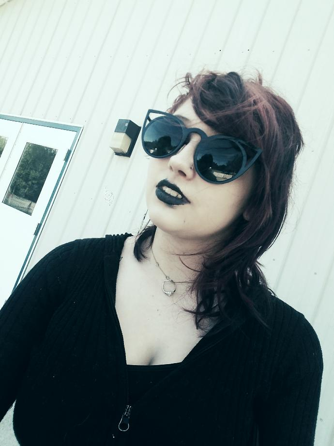 So I hate emo but I love Goth I get mistaken for an emo all the time do I look emo?