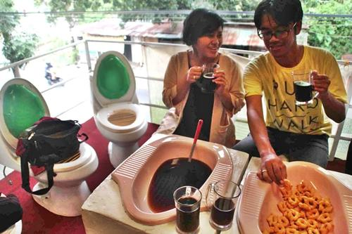 Toilet-theme restaurant 💩. Would you like to try?