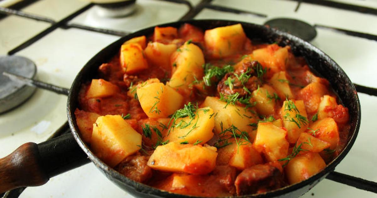 Потушить мясо с кабачком