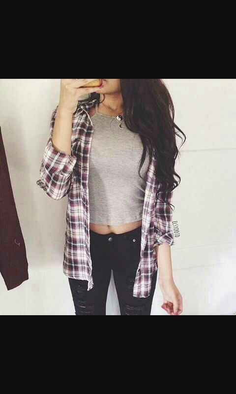 Do guys like skinny jeans and a tshirt or more