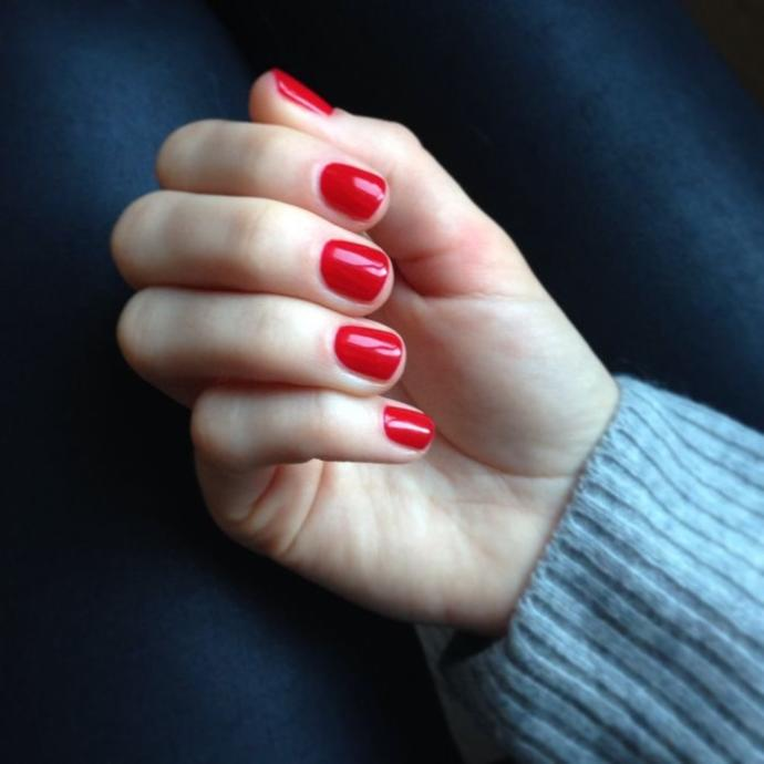 Guys, do you like short red nails on girls?