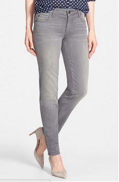 What colour shirt looks better combined with grey jeans?