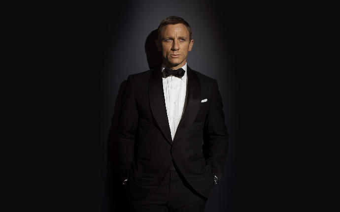 Girls, Who is the hottest James Bond?