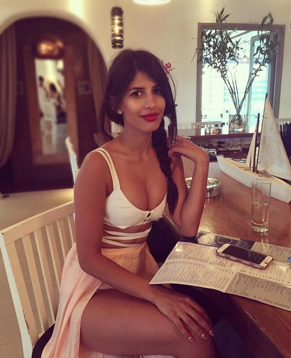 Is this Indian woman really just a 6/10 at best?
