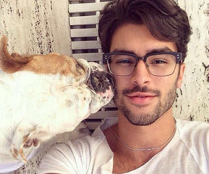 Girls, Do eye glasses make a guy look 'sexier'?