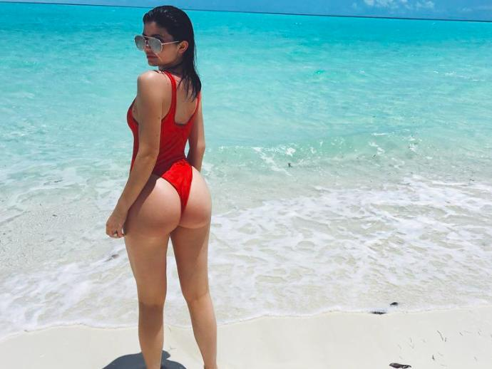 Does Kylie Jenner have a nice ass?