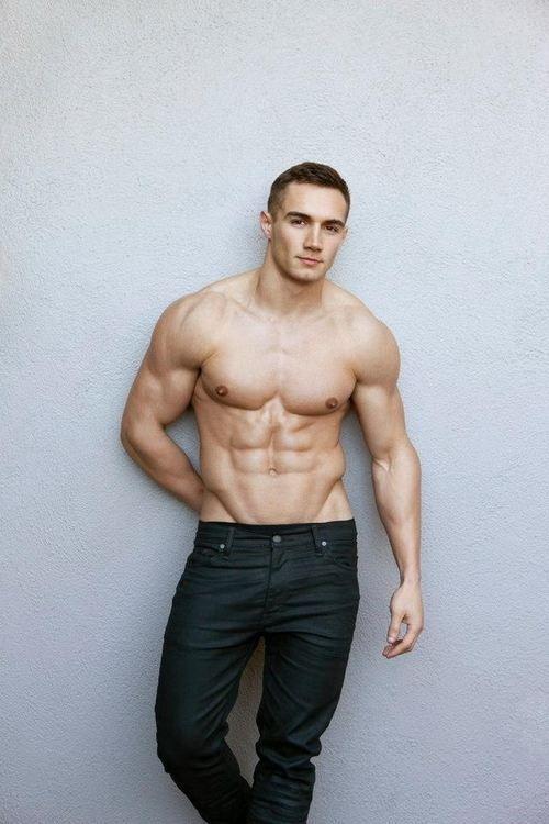 White Vs Dark Skin, Which Look Better Shirtless -4814